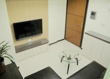 Fully Furnished Modern Apartment, next to MRT