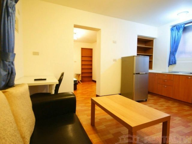 Wanlong MRT Studio Separate Living Room Kitchen NTU NTNU,Taipei #1