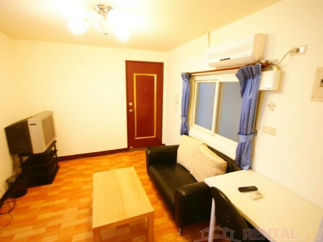 Wanlong MRT Studio Separate Living Room Kitchen NTU NTNU