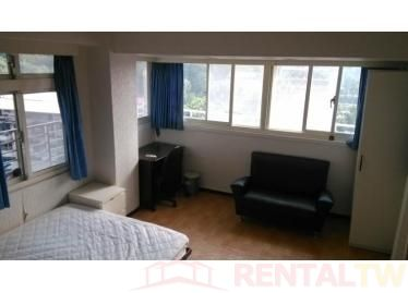 Gorgeous Bright Funished Studio, near MRT, NTU and NTNU