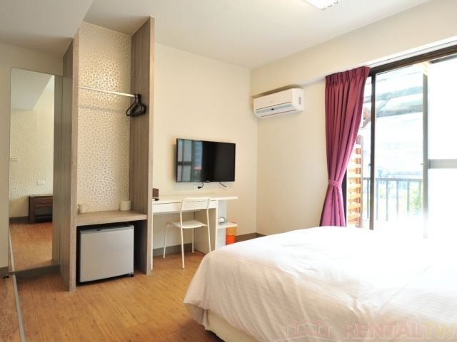 Newly Renovated Short-Term Studio, near Zhongxiao Fuxing MRT