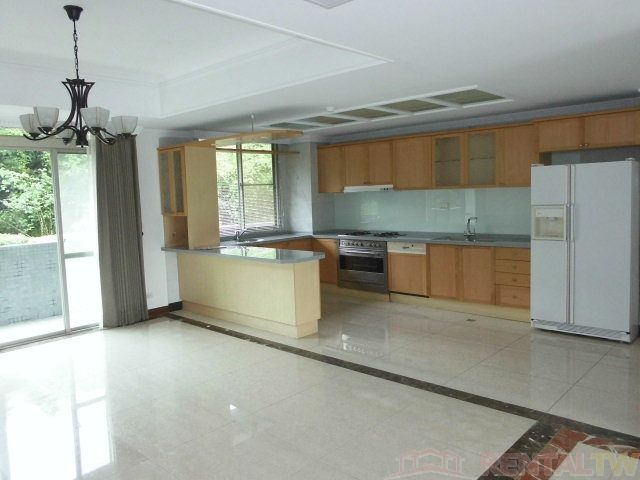 Beitou Luxurious Apartment near Tianmu