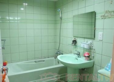 Newly Decorated 2 BR Apartment near MRT,Taipei #1