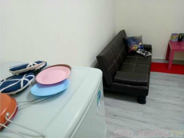 Great Location Spacious 2 Bedrooms Apartment