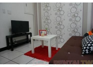 Convenient Spacious 2 Bedrooms Apartment near MRT