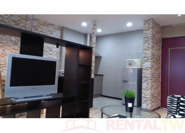 Spacious Newly Decor 3 Bedrooms Apartment near NTU, MRT,Taipei #1