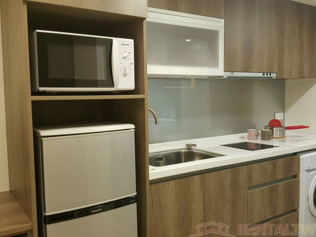 Convenient Beautifully Decor Studio near MRT Station #302
