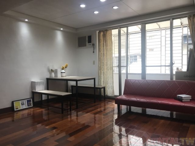Spacious 2 Bedrooms Furnished Apartment near Dongmen MRT