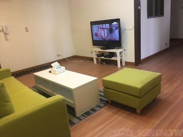 Convenient 2 Bedrooms Apartment in Elevator Building, Ximen,Taipei #1
