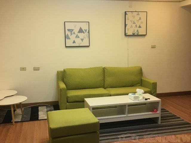 Convenient 2 Bedrooms Apartment in Elevator Building, Ximen,Taipei #2