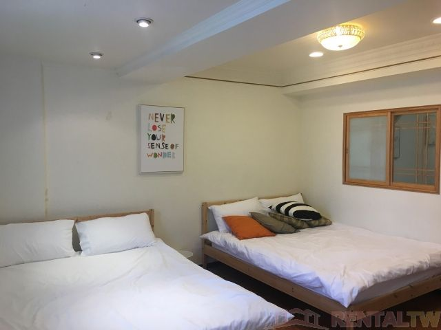 Convenient 2 Bedrooms Apartment in Elevator Building, Ximen,Taipei #3