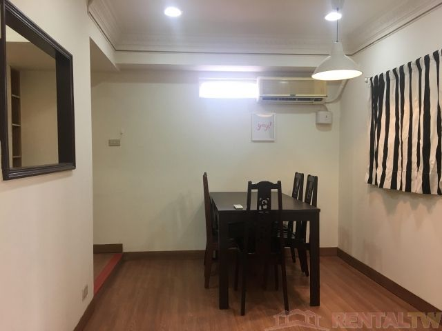 Convenient 2 Bedrooms Apartment in Elevator Building, Ximen,Taipei #7