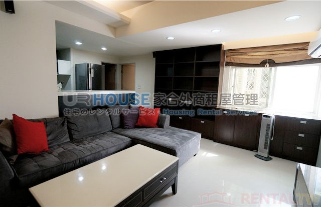 Spacious beautiful house with two rooms and bathrooms